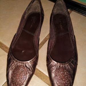 f055f9b6c92 Tahari bronze ballet flats 7.5 leather medallion